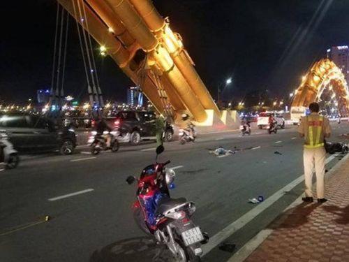 Xe máy tông nhau trên cầu Rồng, 1 người tử vong, 2 người nguy kịch