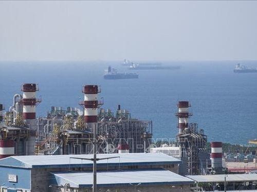 Thị trường dầu mỏ thế giới chuyển hướng đi lên vào cuối tuần