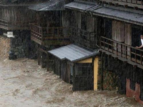 Nhật Bản phát cảnh báo khẩn cấp về mưa lớn do bão Hagibis