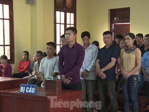 Bản án lạ lùng: 28 bị cáo phá rừng ở Lạng Sơn đều được hưởng án treo
