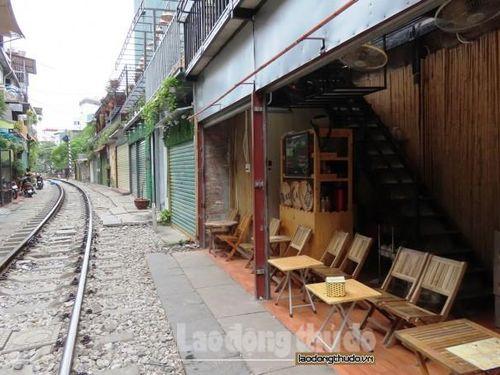 Khung cảnh xóm cà phê đường tàu sau 1 tuần thực hiện đóng cửa