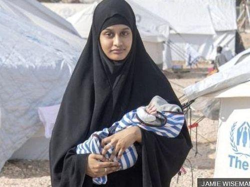 Cô dâu IS muốn quay về Anh tố bị chồng cưỡng hiếp