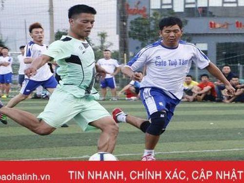 FC New Focus vô địch Giải Bóng đá lão tướng tranh Cúp Bằng Sport