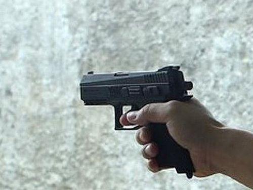 Long An: Nạn nhân bị bắn thủng bụng làm đơn tố cáo Trưởng công an xã
