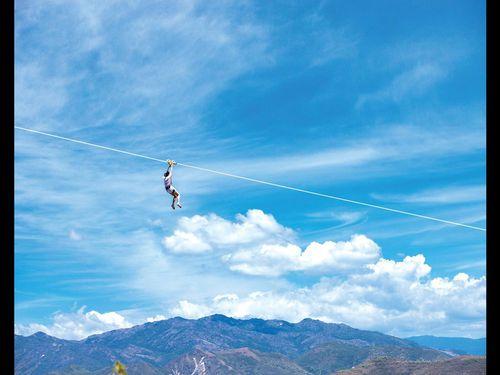Ngắm biển trời Nha Trang trên đường zipline