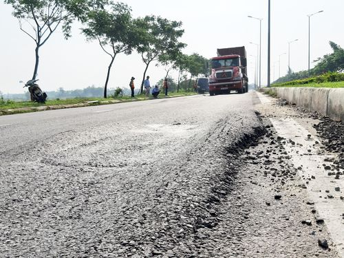 'Sống trâu' gây nhiều tai nạn, Đà Nẵng 'bóc' mặt đường nghìn tỷ để sửa chữa