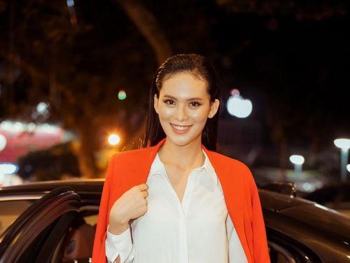 Hoa hậu Sang Lê ấn tượng về chiều cao của các thí sinh 'Người đẹp Xứ Dừa'