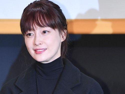 Bà xã Won Bin nổi bật giữa dàn tài tử xứ Hàn