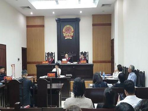 Bất ngờ tạm ngừng xét xử vụ Tuần Châu kiện Việt Tú