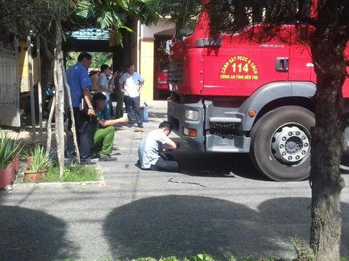 Xe chữa cháy phục vụ lễ hội Dừa cán nữ sinh tử vong