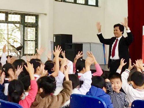 Thắp sáng ước mơ cho học trò khiếm thính