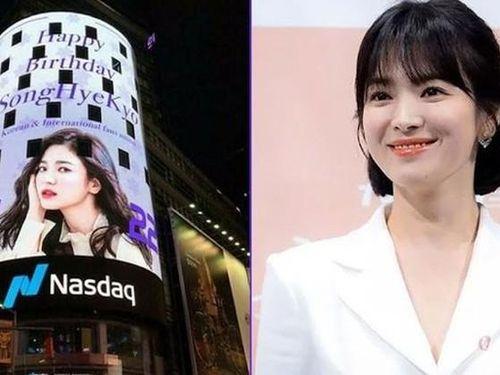 Song Hye Kyo được fan đặt quảng cáo mừng sinh nhật ở quảng trường
