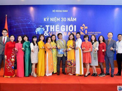 Toàn cảnh Lễ kỷ niệm 30 năm Báo Thế giới & Việt Nam ra số đầu tiên qua ảnh