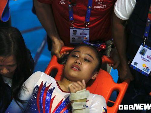 Tiếp đất sai kỹ thuật, nữ VĐV Philippines vào thẳng bệnh viện