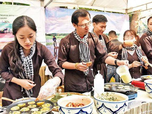 Sắc mầu ẩm thực thế giới hội tụ tại Hà Nội