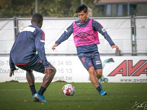 'Văn Hậu là cầu thủ đáng xem ở châu Á'; Công Phượng tiếp tục bị loại khỏi danh sách của CLB Bỉ