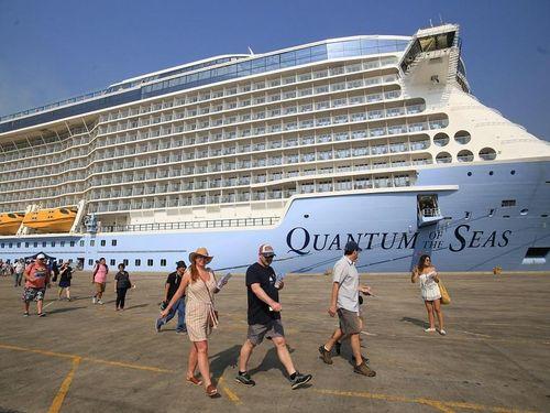 Du thuyền hiện đại nhất thế giới đến TP.HCM