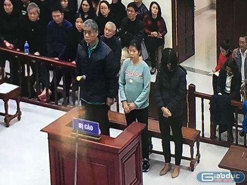 Lời khai của bị cáo Nguyễn Bích Quy, Doãn Quý Phiến về vụ cháu bé tử vong
