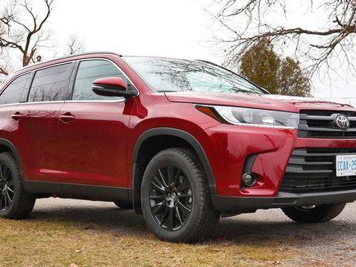 Hàng loạt xe Toyota đời mới đang đi bỗng dưng chết máy giữa đường
