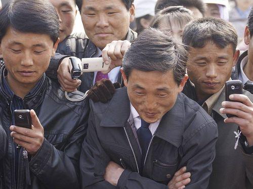 Lạ lùng như đất nước Triều Tiên: Nói không với việc phát sóng các trận đấu của đội tuyển dù người dân nào cũng có smartphone