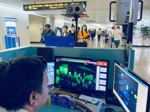 14 bệnh viện ở TP.HCM cử điều dưỡng đến sân bay Tân Sơn Nhất