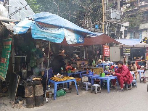 Người dân Thủ đô bức bối, ngột ngạt vì quán ăn dùng bếp than tổ ong