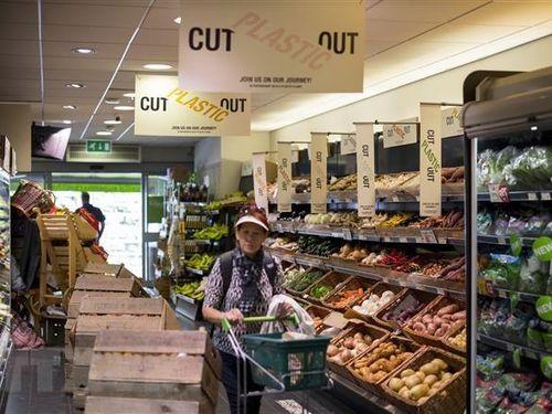 Doanh số bán lẻ tại Anh tăng trở lại trong tháng đầu năm 2020
