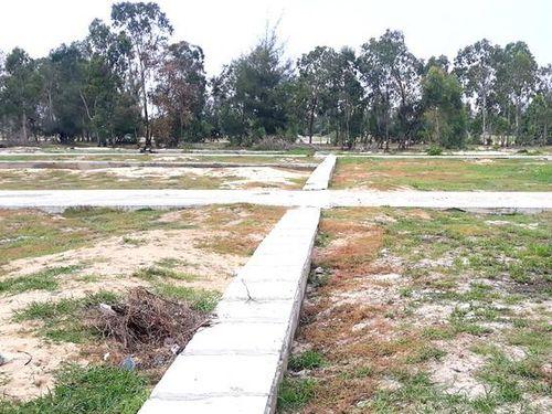 Khởi tố 2 đối tượng phân lô 'dự án ma' bán đất vườn cho dân