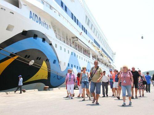 Lượng khách du lịch tàu biển đến Khánh Hòa giảm mạnh trong tháng 2