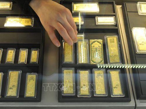 Giá vàng châu Á tiếp tục đi lên
