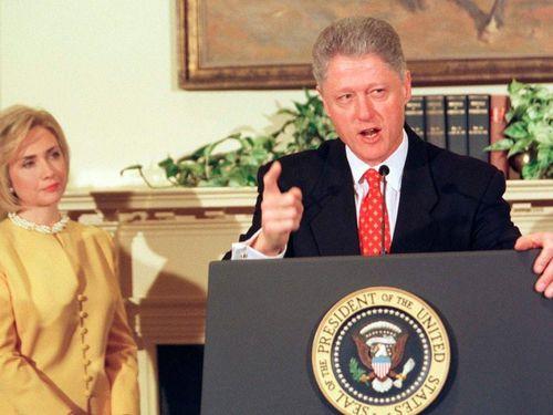 Ông Clinton hối tiếc vì bê bối hủy hoại cuộc đời của Lewinsky