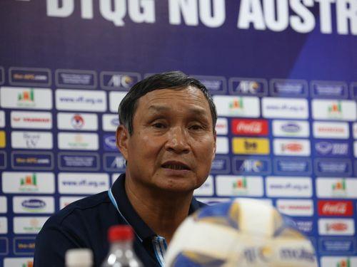'Nhiều CLB nước ngoài mời, nhưng cầu thủ nữ Việt Nam chưa thể xuất ngoại'