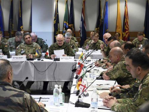 Sĩ quan cao cấp hơn 20 quân đội họp tại căn cứ Mỹ ở Đức, kết thúc hội nghị 2 tướng chỉ huy bị nhiễm COVID-19!