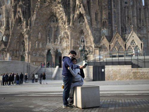 Nối gót Italy, Tây Ban Nha phong tỏa 46 triệu dân