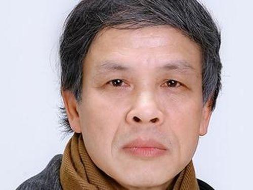 Nhà thơ Trần Hùng: 'Muốn tắt mình mà không công tắc'