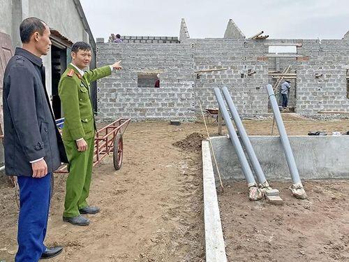 Xử lý nghiêm việc xây dựng trái phép tại vùng bãi bồi ven biển Kim Sơn