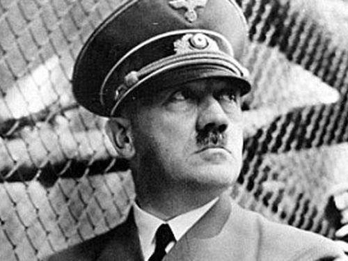 Trùm phát xít Hitler từng sản xuất bom nguyên tử và đĩa bay?