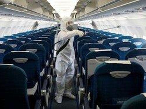 Thông báo khẩn tìm hành khách chuyến bay EK392 từ Dubai về TP.HCM do có người nghi nhiễm COVID-19