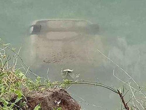 Danh tính nữ tài xế tử vong trên ghế lái sau khi ô tô chìm xuống sông