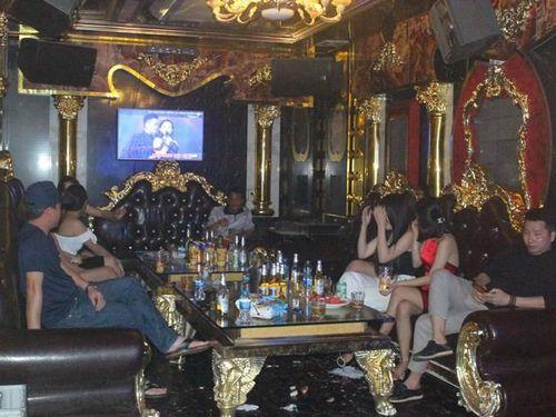 Quán Karaoke phục vụ 'chui' giữa mùa dịch