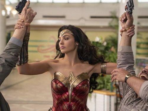 Bom tấn 'Wonder Woman 1984' hoãn chiếu vì Covid-19