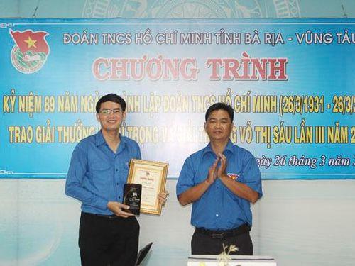 Anh Đỗ Minh Tân được trao Giải thưởng Lý Tự Trọng
