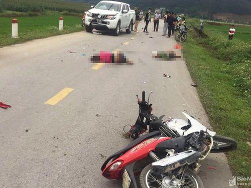 Va chạm giữa ô tô và xe máy, 2 người thương vong