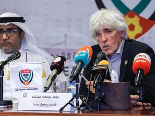 Vì COVID-19, HLV tuyển UAE rơi vào cảnh... tréo ngoe