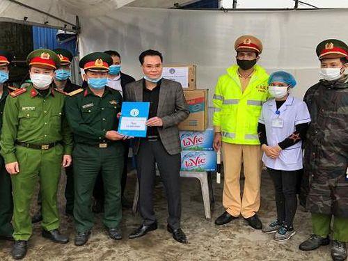 BHXH TP tặng vật phẩm, hỗ trợ các chốt kiểm soát dịch bệnh tại cửa ngõ Hải Phòng