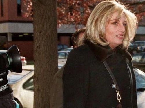 Người tiết lộ chuyện tình ngoài luồng của ông Clinton qua đời