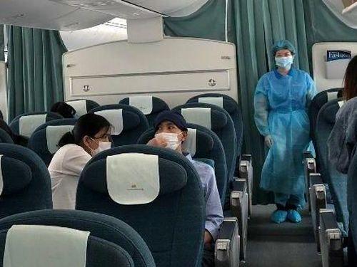 Chuyến bay chở 12 công dân Việt Nam mắc kẹt vì Covid-19 ở Nhật Bản