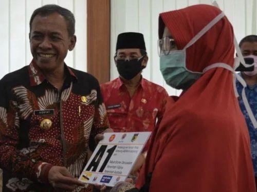 Bàn giao 75 ngôi nhà trong 'làng ASEAN' cho nạn nhân thảm họa Palu