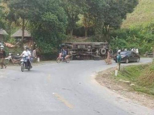 Nhảy ra ngoài khi xe tải mất phanh, phụ xe bị đè tử vong thương tâm