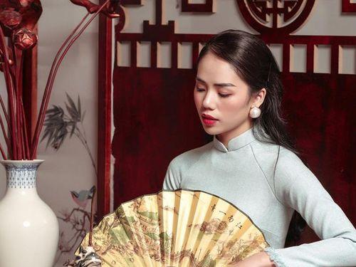 Sau quãng thời gian 'flop' không phanh, Hương Ly dần lấy lại phong độ và 'công phá' top trending